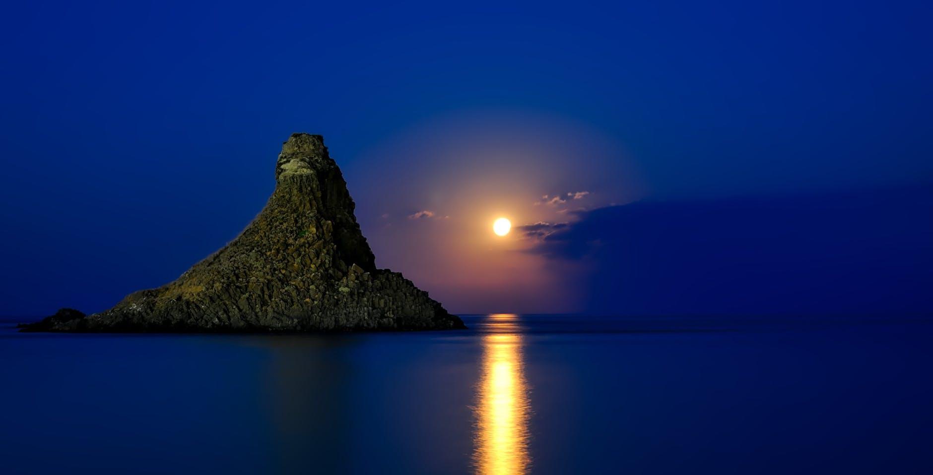 italy-sicily-sea-ocean-163891.jpeg