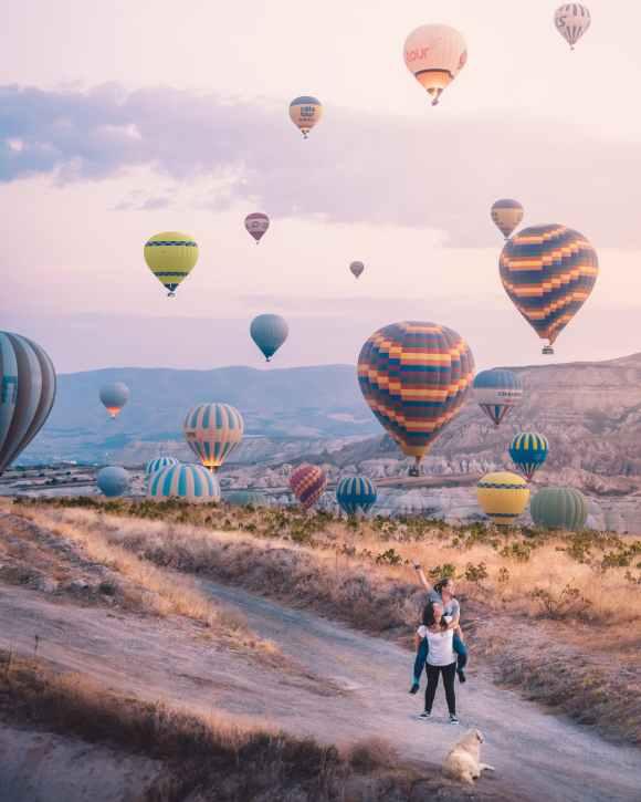 hot air balloons on air